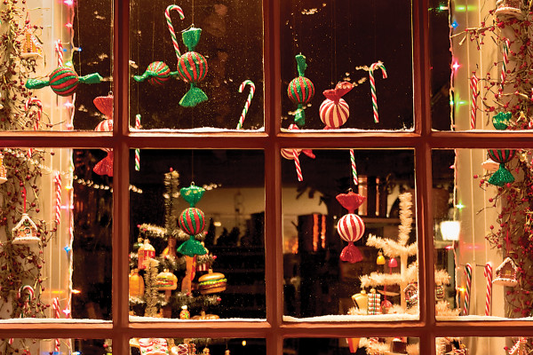 Holiday storefronts lure shoppers.Photo by Michael D. Golden